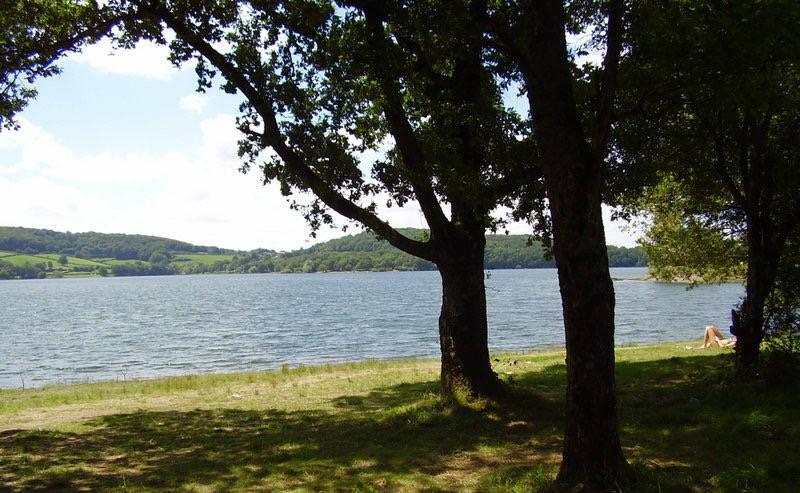 Lac de Pannecière 2